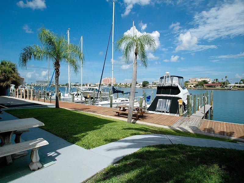 Este alquiler de vacaciones en la costa del golfo pone el puerto de Clearwater en su patio trasero.