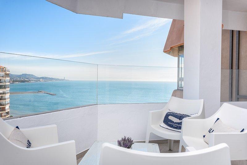 FABULOSO APARTAMENTO CON VISTAS II CON PARKING Y WIFI, vacation rental in Malaga