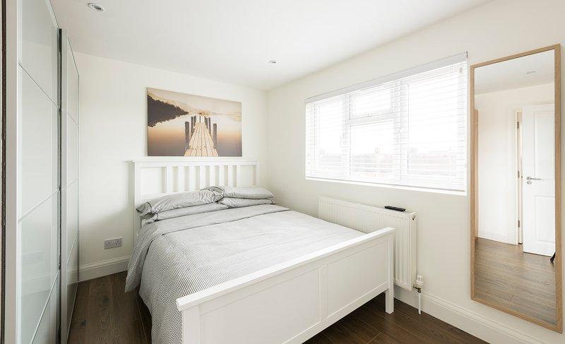 Beautiful Loft Studio, holiday rental in Colindale