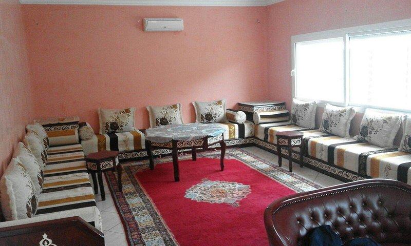 Spacious 3 Bedrooms Villa near the beach, location de vacances à Agadir