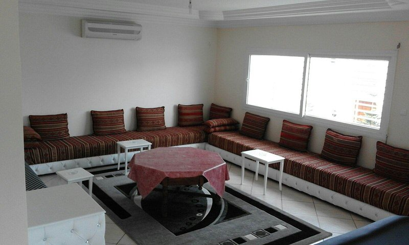 Cozy 3 Bedrooms Villa near the beach, location de vacances à Agadir