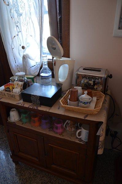 Detail Breakfast Table - Tea Table