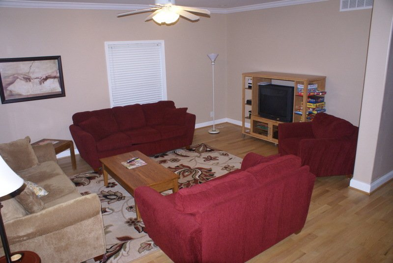 Front family room with plenty of seating for all