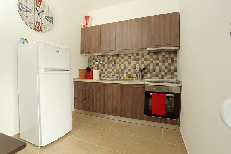 FewoHellas - fully renovated and newly refurbished 2 bedroom apartment, location de vacances à Aggelochori