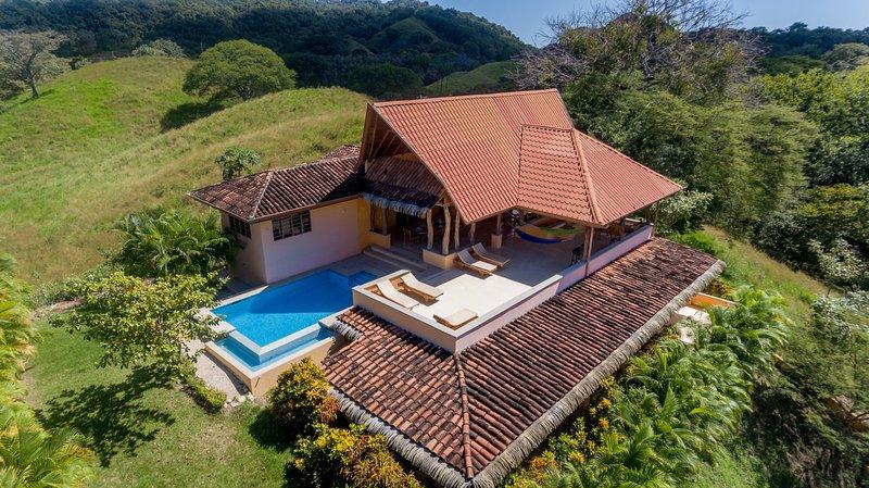 Sunrise Villa, Playa Guiones, Nosara. Sea breeze, holiday rental in Nicoya