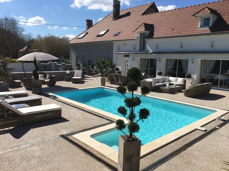 CHAMBRE ROMANTIQUE + SALLE DE BAIN, holiday rental in Creney-pres-Troyes