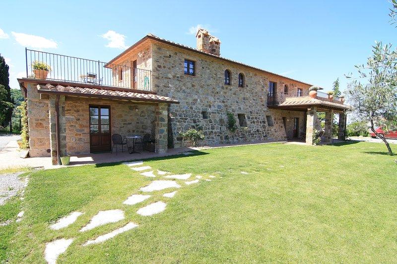 Castagnatello Estate - garden & main country house