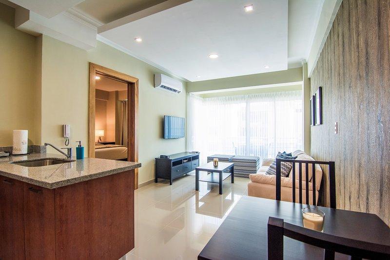 Santo Domingo Bright Downtown Apartment ✔️, vacation rental in Santo Domingo