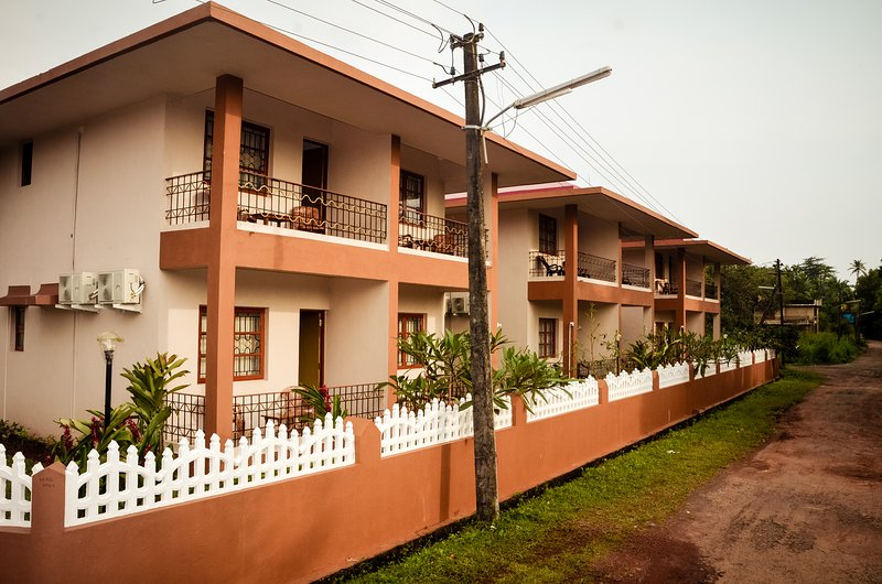 The Goan Courtyard Apartment 1, vacation rental in Majorda