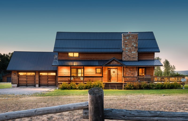 DreamCatcher Ranch with Private Hot Tub and Teton Views!, alquiler vacacional en Alta