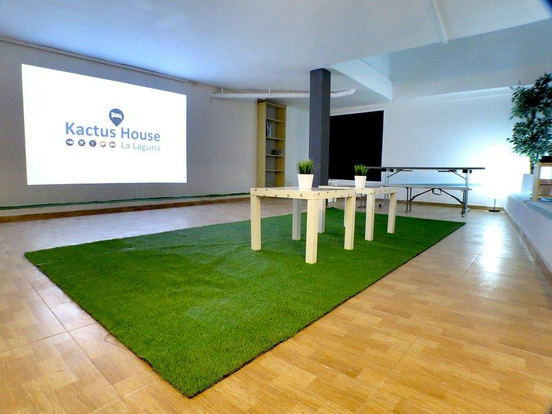Apartamento Completo Kactus House con Wifi, holiday rental in Llano del Moro