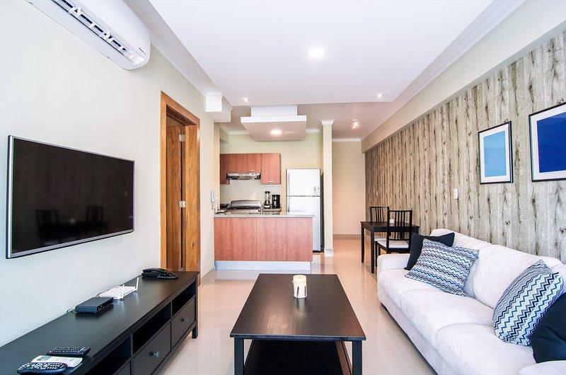 Santo Domingo Charming Downtown Apartment ✔️, vacation rental in Santo Domingo