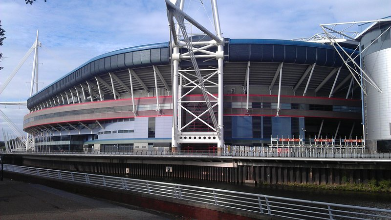 Millennium Stadium apenas a 7 min de táxi a partir do seu apartamento ou pegar o ônibus.