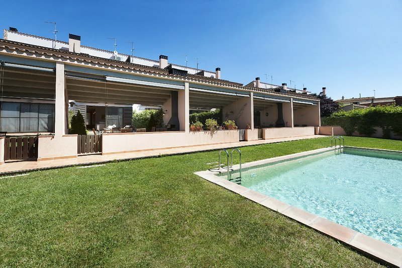 Costabravapartment House, private garden, barbecue, communal pool – semesterbostad i Sant Sadurni de l'Heura