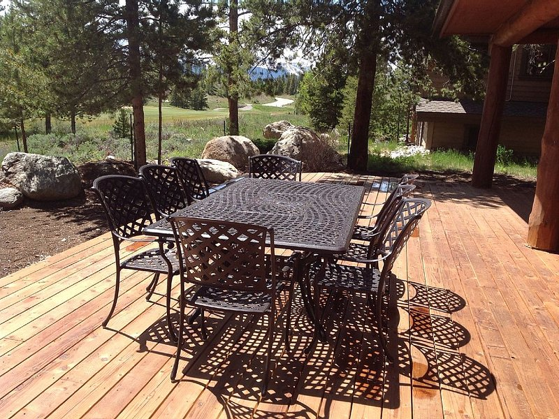 Dining area on back deck seats ten (spring/summer/fall)