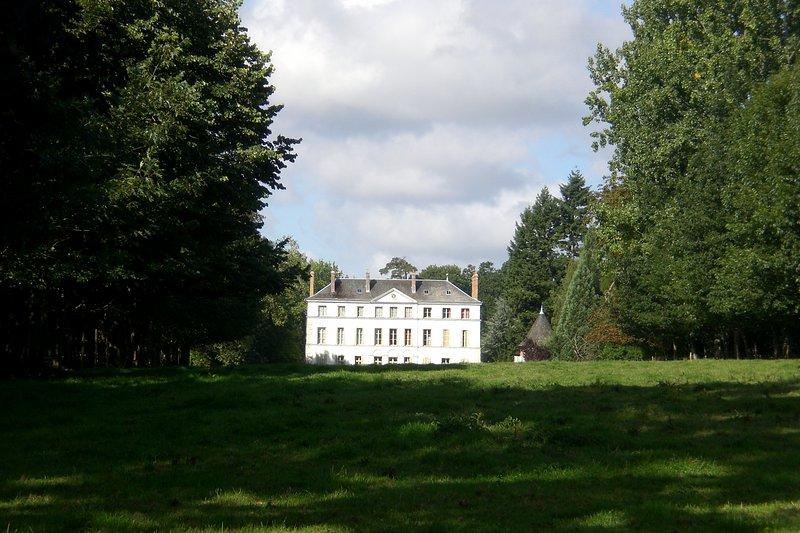 Beautiful period Château in Normandy (Dieppe area), casa vacanza a Bosc-le-Hard