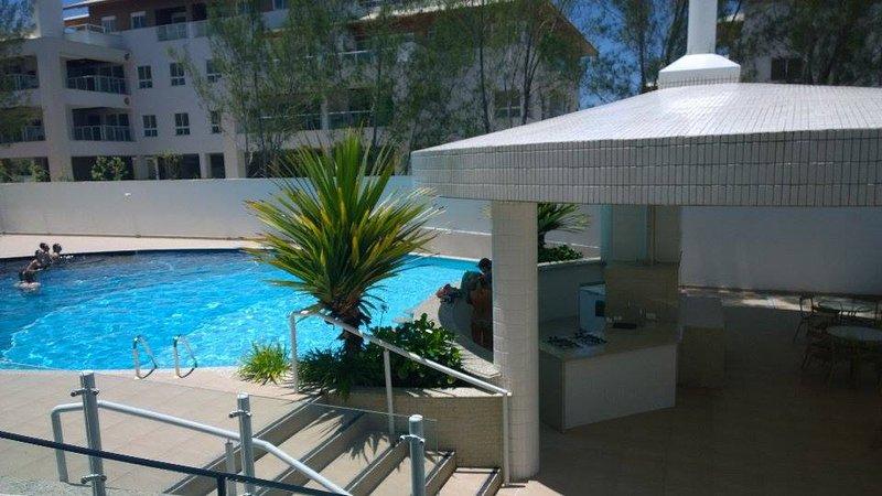 PRAIA E PISCINA apto. 101 (03 dormitórios), alquiler de vacaciones en Florianópolis