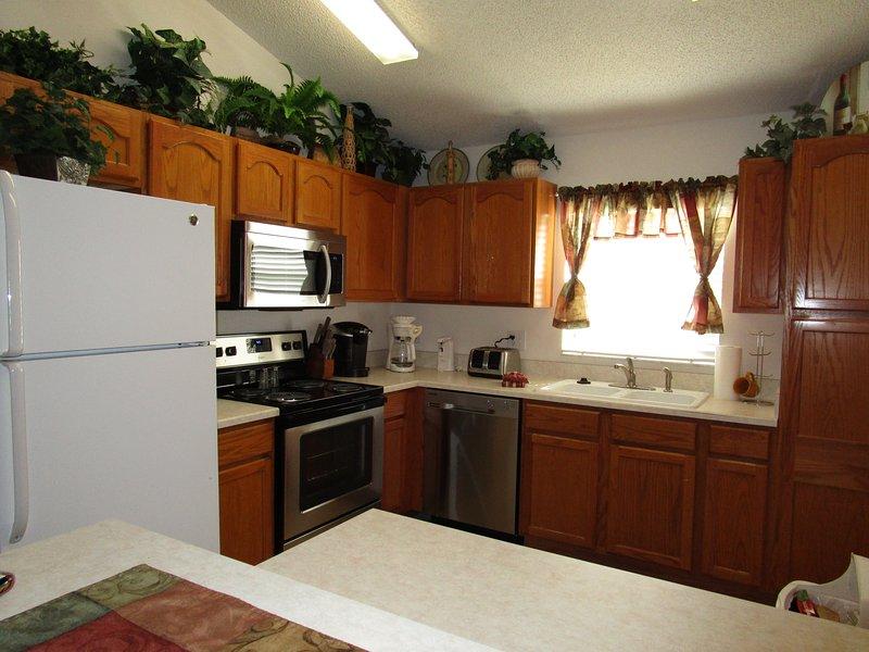 Kitchen New Stove, Dishwasher and Microwave