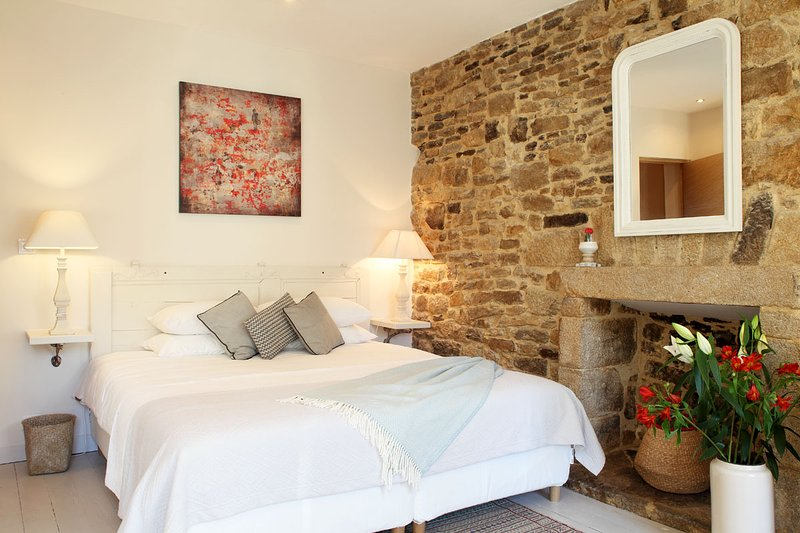 Chambres Aux Sabots Rouges - ROOM TWO, holiday rental in Guemene-sur-Scorff