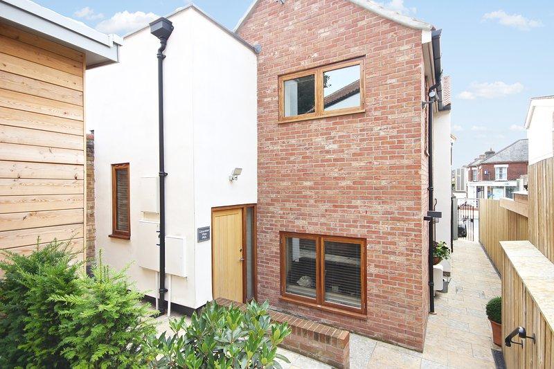 Luxury 2 Bed Apartment in Popular Norwich Area, location de vacances à Saxlingham Nethergate