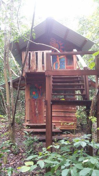 Forest Cabin {Lower Level of Treeline Loft}, holiday rental in Georgetown