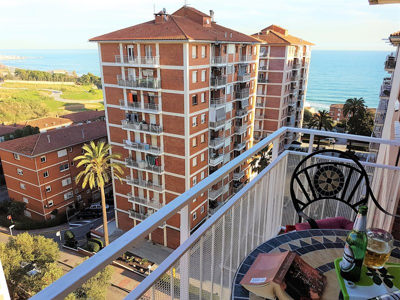 HELENA SEAVIEW & BEACH-apartment, vacation rental in Alella