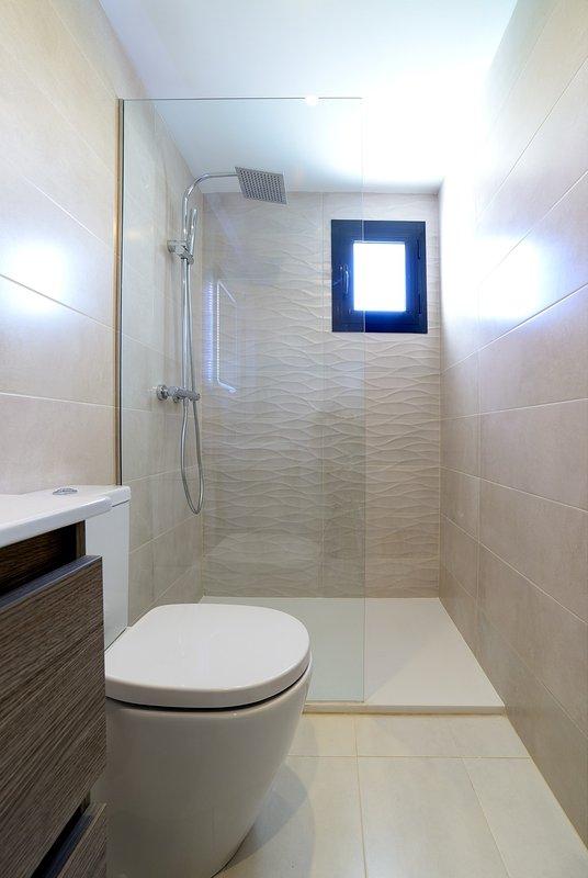 2ª habitaciones con baño Baño