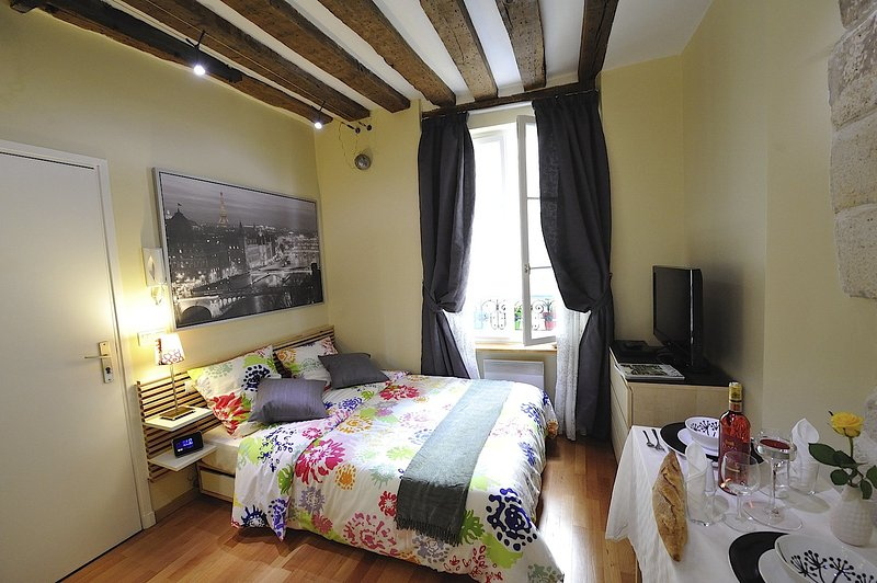 A1DG Home Sweet home, vacation rental in Aubervilliers