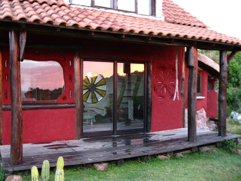 Eco cabaña en las Sierras deAigua, holiday rental in Villa Serrana