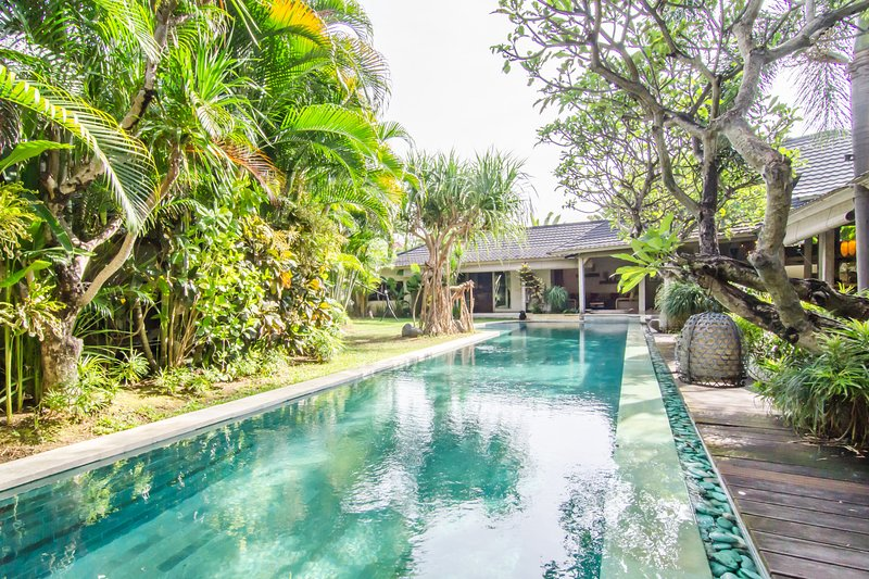 Stunning Villa in Heart of Seminyak, holiday rental in Kuta