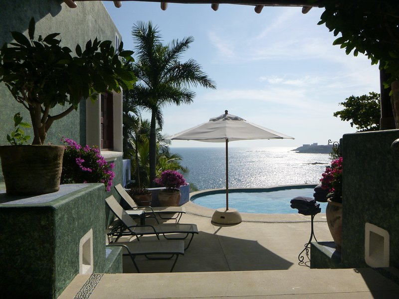 The best view with private beach, in Tangolunda Bay., vacation rental in Huatulco
