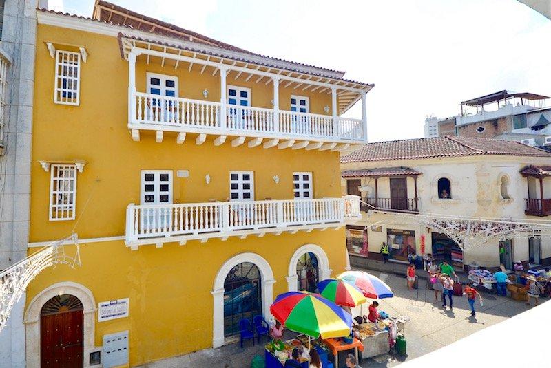 The entrance on Calle Segunda de Badillo, at the corner of Calle de la Moneda