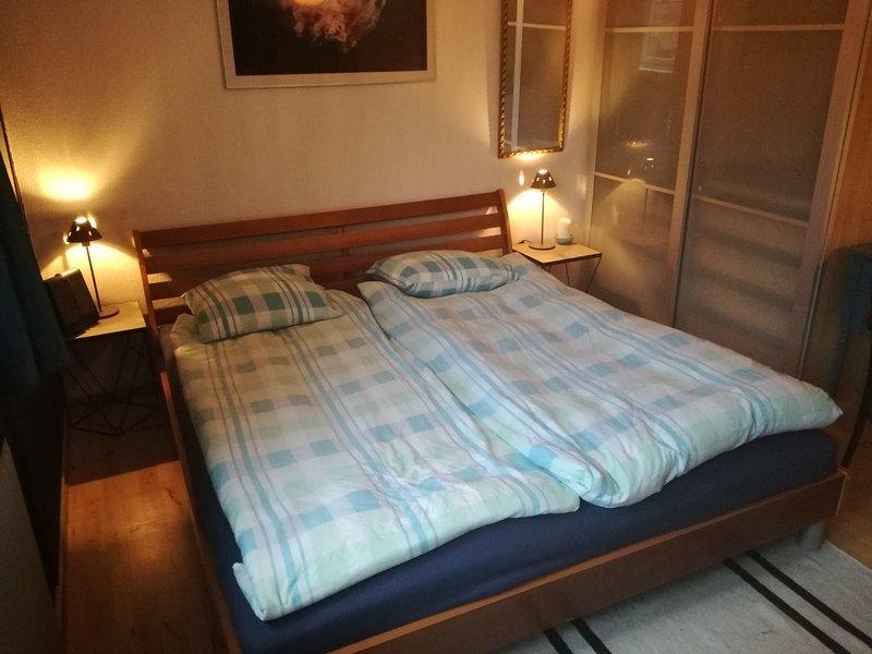 Chambre des maîtres avec nouveau lit king size