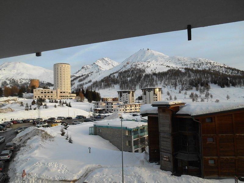 Vista sobre as pistas de esqui a partir do terraço