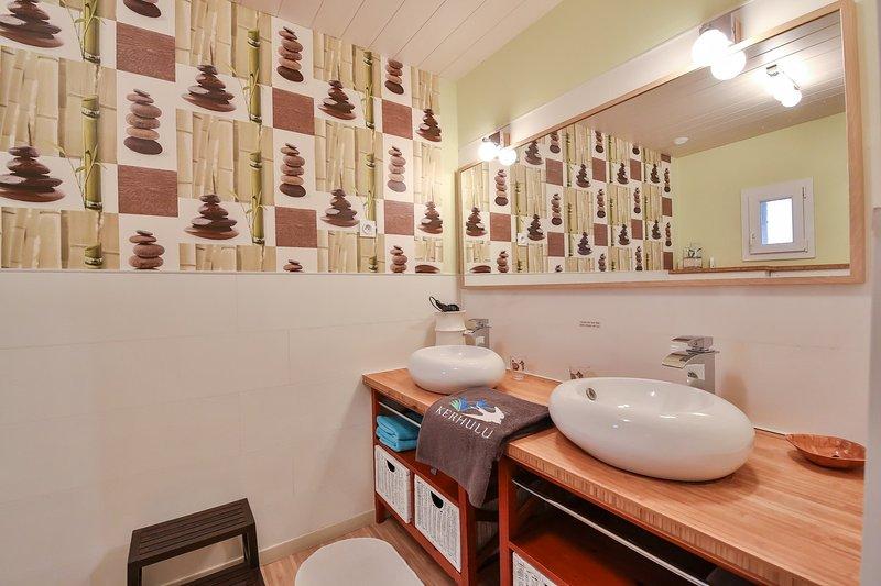 Vasques et miroir