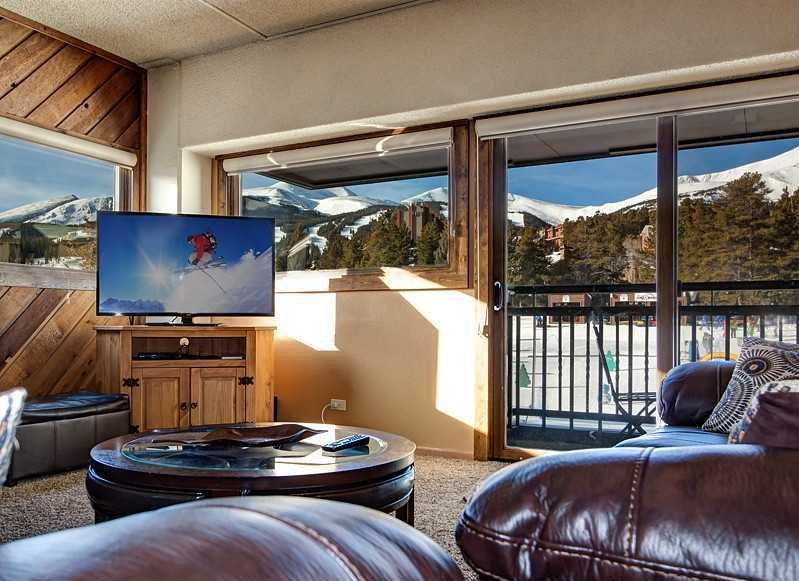 Just updated Ski in Ski out & right Downtown, location de vacances à Breckenridge