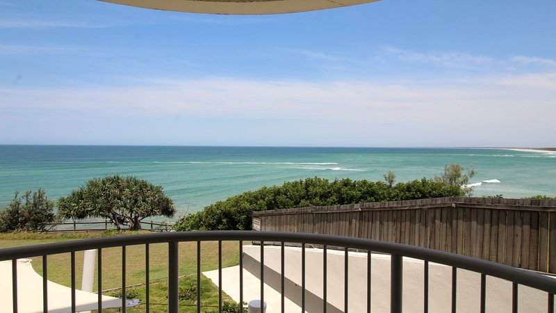 Monterey Lodge Unit 3 Kings Beach QLD, vacation rental in Warana