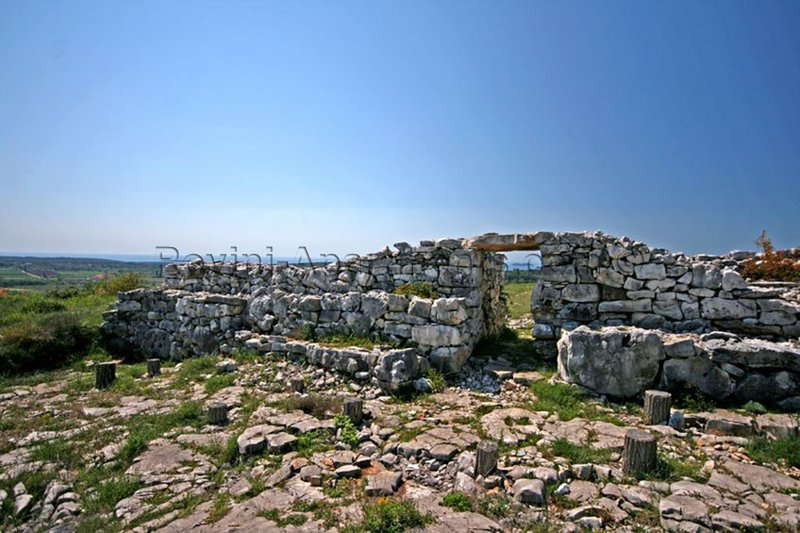 Sítio arqueológico Monkodonja - área local