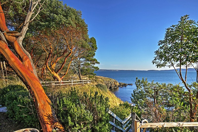 For the ultimate Friday Harbor getaway, book this fantastic vacation rental house!