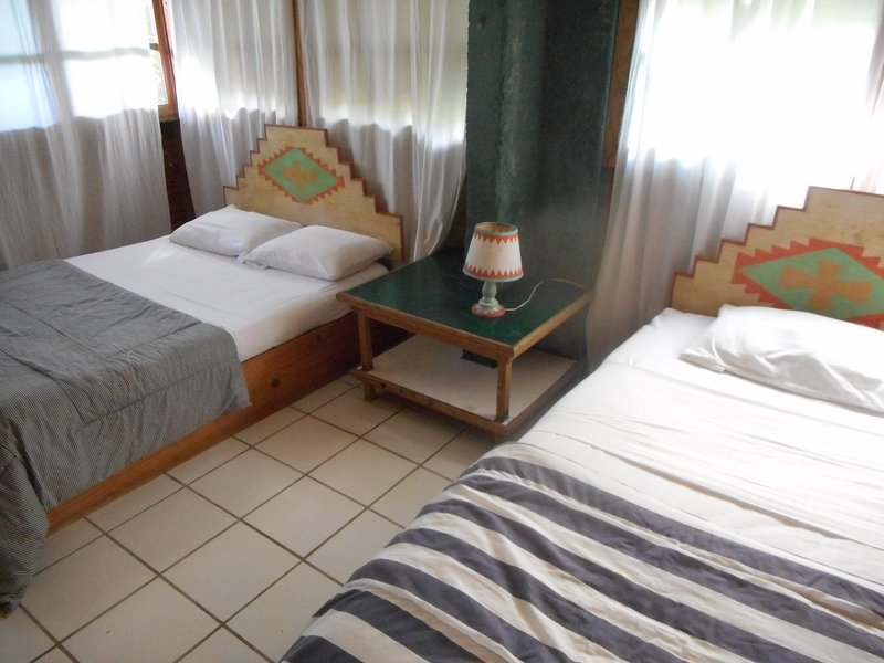 CHIPPEWA POOLSIDE APT: great location and price, vacation rental in Negril