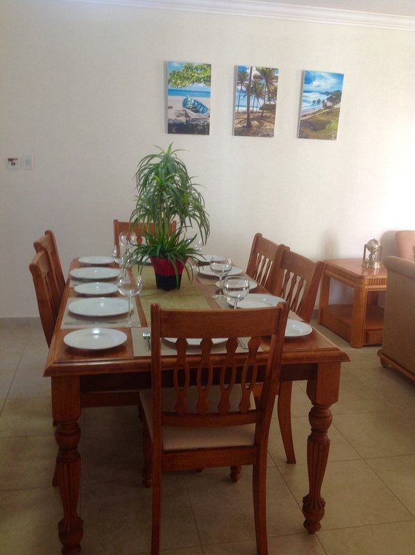 Dining table - seating for six