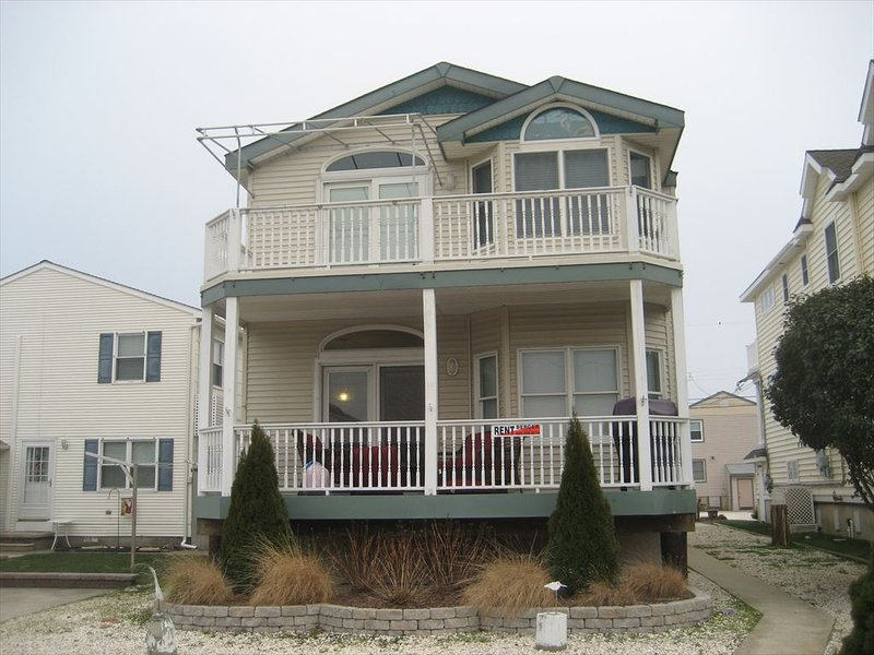 3303 Simpson Ave. 1st Flr. 133055, holiday rental in Marmora