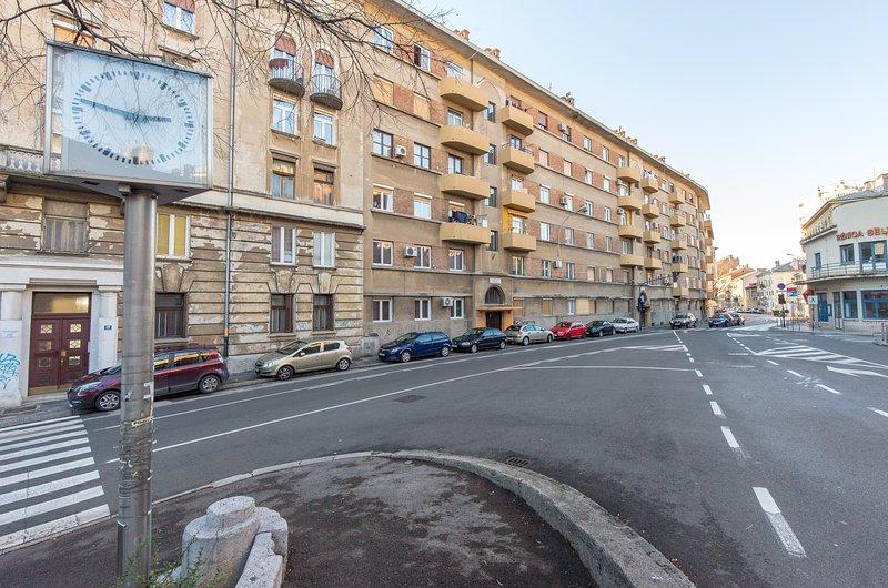 Building, vista para a rua