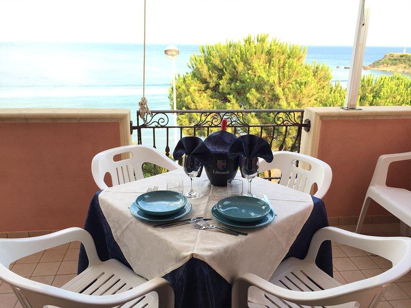 Japigium Attico Stella Marina vista mare, vacation rental in Le Cannella