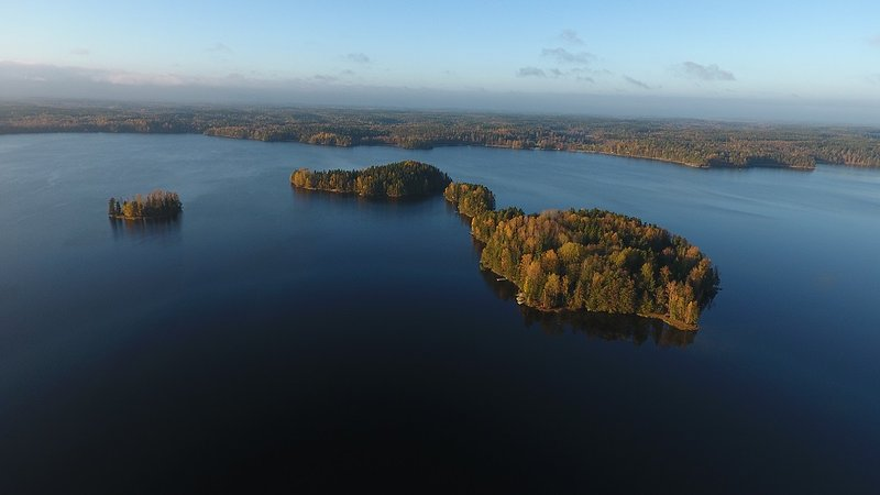 Beautiful Puujärvi-lake is six kilometers long and with fresh water to drink