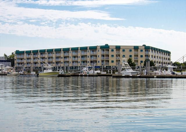 Bay Creek Villa 205 - Condo w Creek/Sunset Views & Free Pool Access, vacation rental in Edisto Island