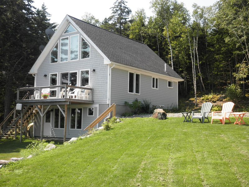 Front of cottage facing ocean
