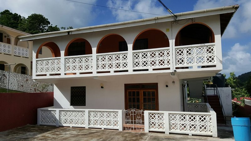 St. Lucia Apartment for Rent , 10 minutes Castries, 15 minutes Rodney Bay, holiday rental in Castries
