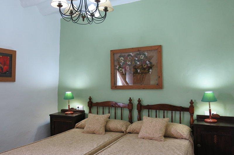 Alojamiento rural Huerto del Francés, Dormitorio Verde, location de vacances à Pegalajar