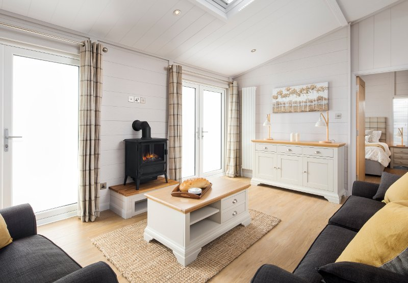 Creel Lodge, luxury lodge with hot tub, Coldingham, Scottish Borders, vacation rental in Coldingham